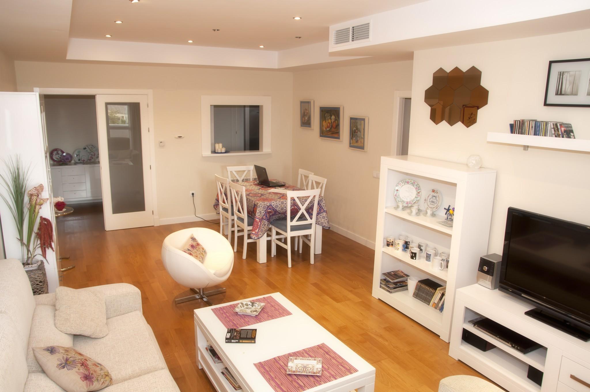 sufrageria la bloc idei de amenajare casa i gr dina. Black Bedroom Furniture Sets. Home Design Ideas