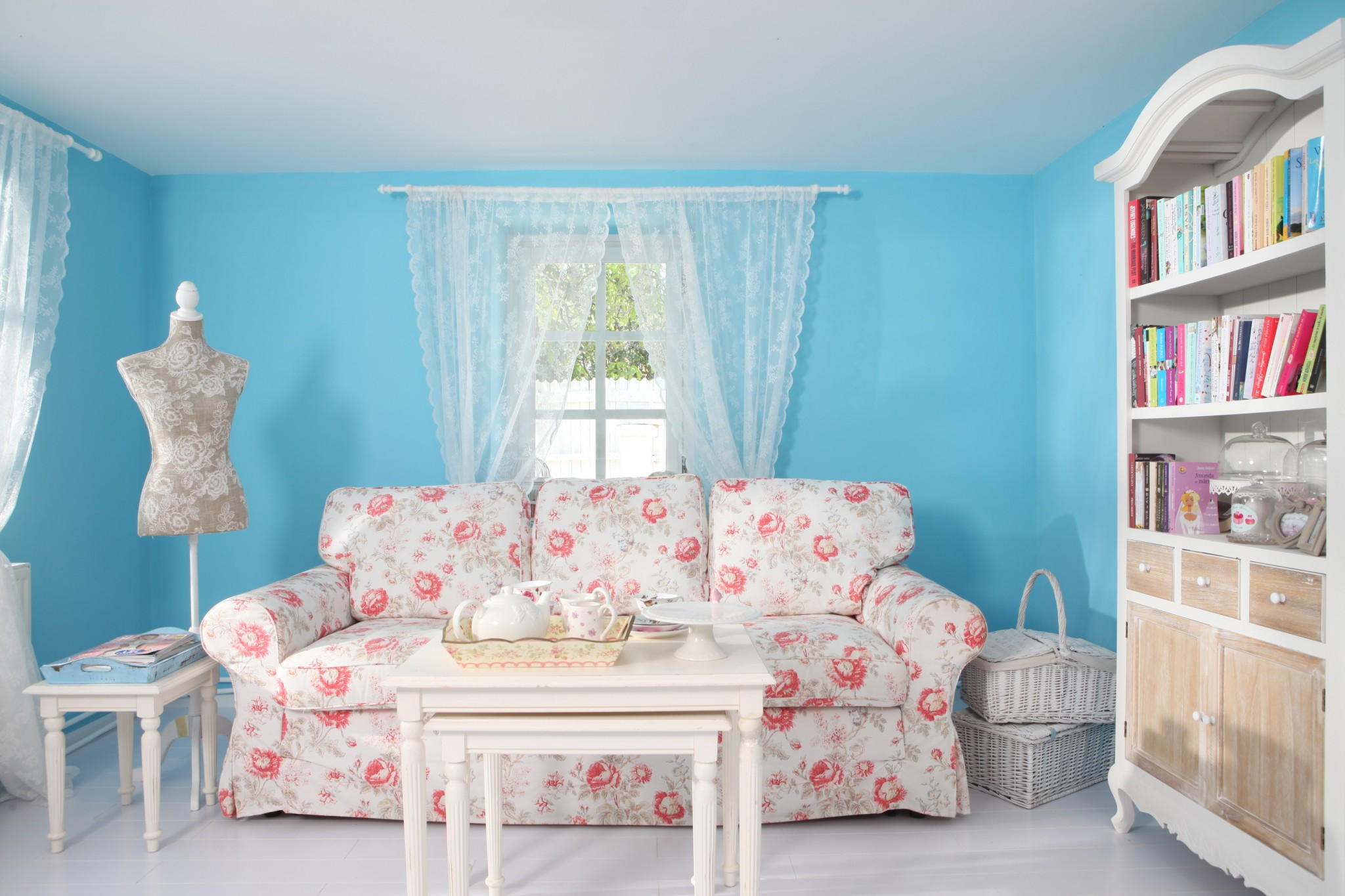 stilul shabby chic idei simple de amenajare a casei. Black Bedroom Furniture Sets. Home Design Ideas