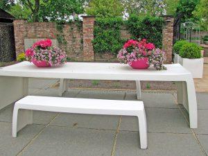 accesorii albe masa si banchete gradina