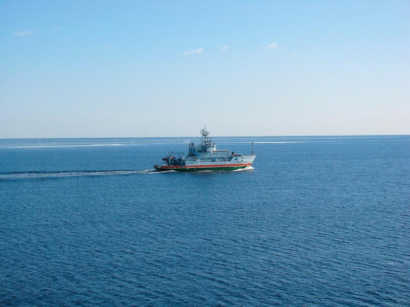 Imagini pentru vapor pe apa