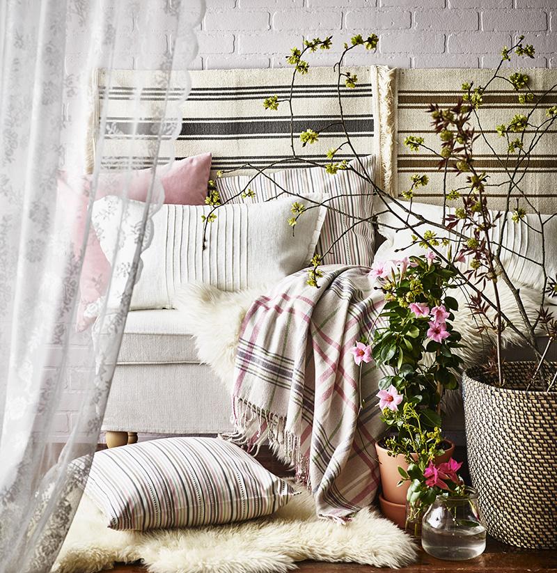 Pătură Hermine. L 180 x l 120 cm • 59,90 lei • IKEA