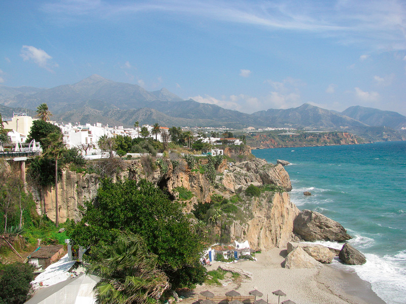 destinații ce merită vizitate Nerja Andaluzia